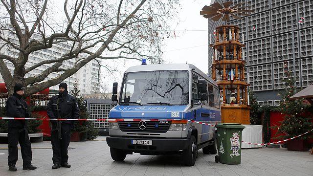 Nach Anschlag in Berlin: Europaweite Fahndung nach Tatverdächtigem