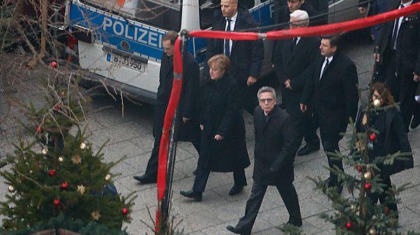Avrupalı aşırı sağcılar Berlin saldırısından Merkel'i sorumlu tuttu