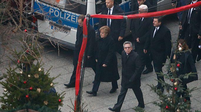 Attentat de Berlin : l'extrême-droite s'en prend à Angela Merkel