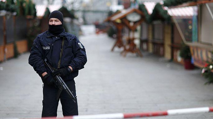 Alemanha continua à procura do tunisino suspeito do atentado no mercado de Natal