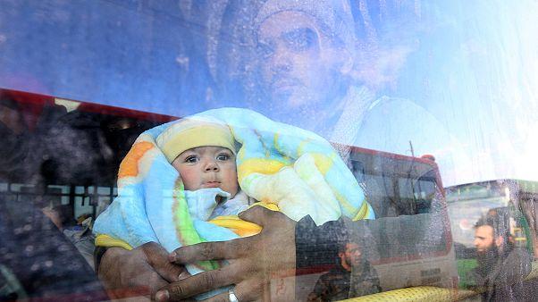 Uluslararası Kızılhaç Örgütü: Halep'ten 34 bin kişi tahliye edildi