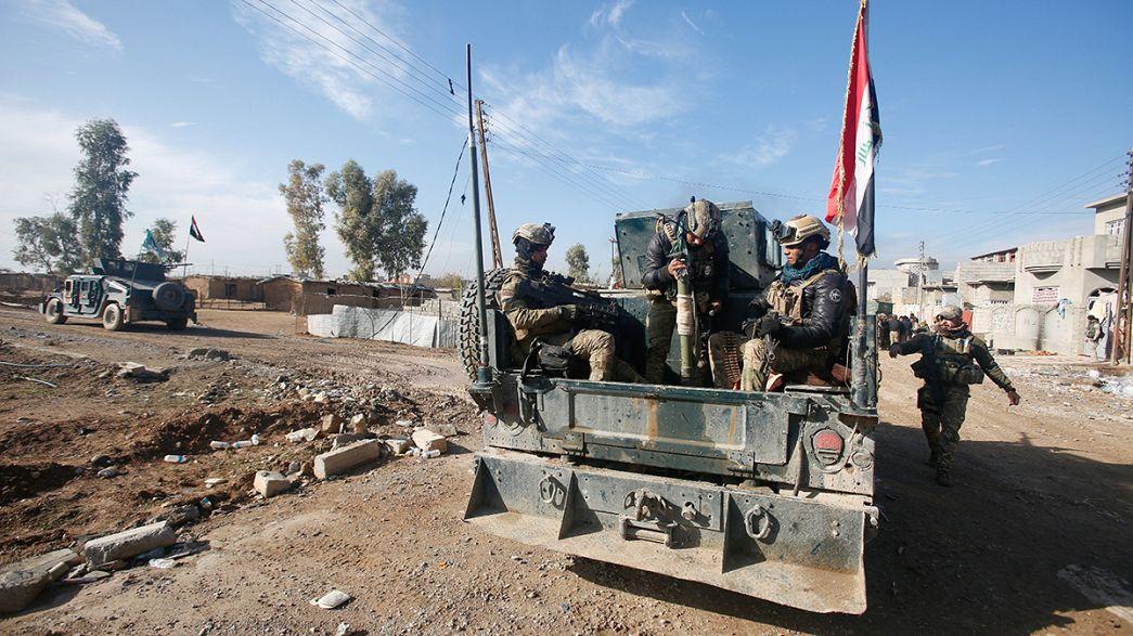 Смертники ИГИЛ взорвали 3 автомобиля на рынке в Мосуле