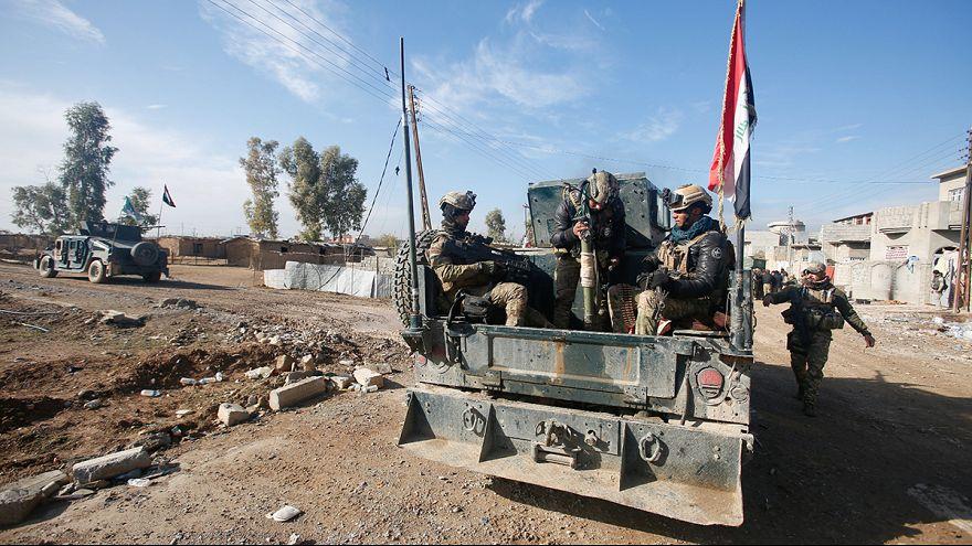 Irak : au moins trente morts après un triple attentat à Mossoul,