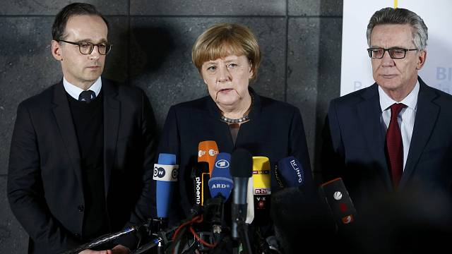 Berlin attack: Merkel wants more failed asylum seekers expelled