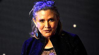 Herzattacke im Flugzeug: Bangen um Star Wars-Heldin Carrie Fisher