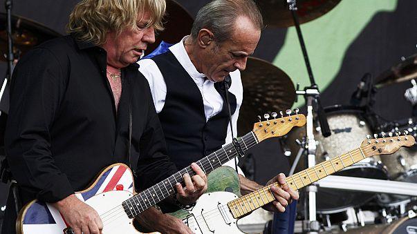 Гитарист Рик Парфитт умер от инфекции