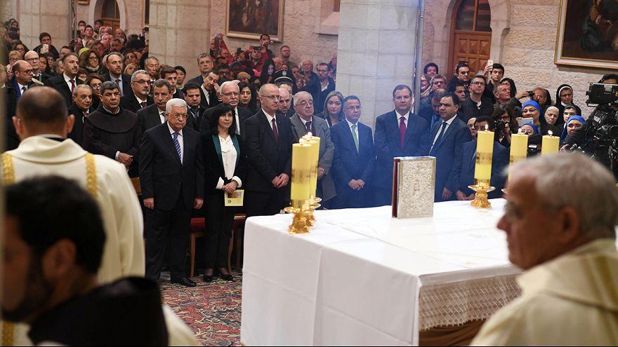 Milhares de turistas assistem à Missa do Galo na Palestina