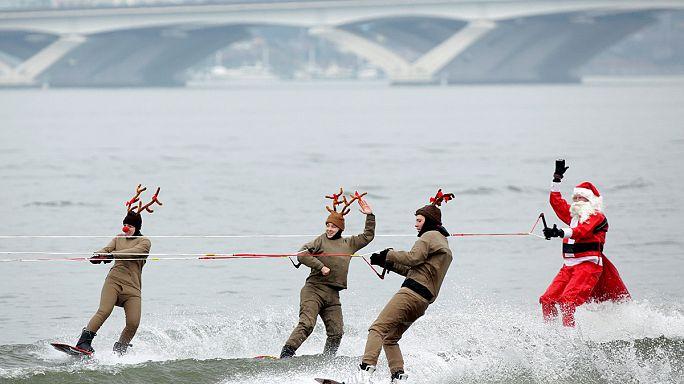 Babbo Natale in Virginia arriva sugli sci ad acqua