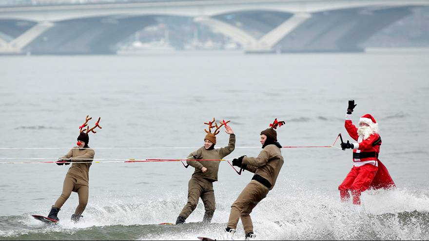 Water-skiing Santa and flying elves celebrate Christmas down the Potomac