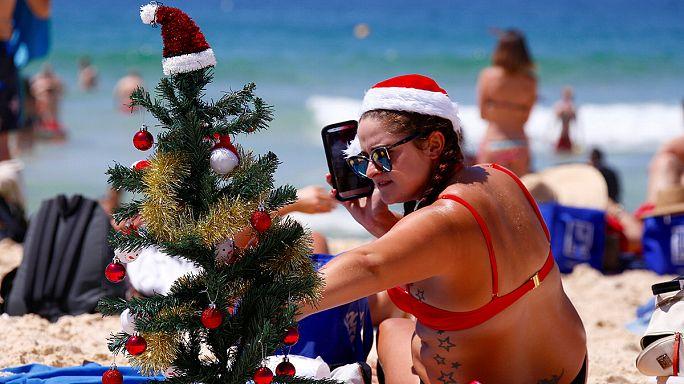Natale in bikini al Bondi Beach in Australia