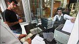 قیمت دلار بالای ۴۱۰۰ تومان و صدور مجوز معامله ارز به نرخ آزاد در بانک ها