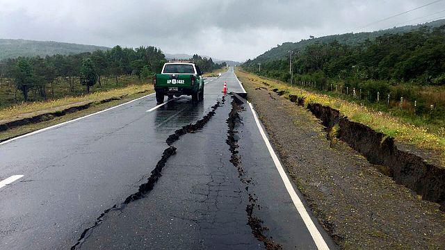 Nach dem Beben: Chile hebt Tsunami-Warnung auf