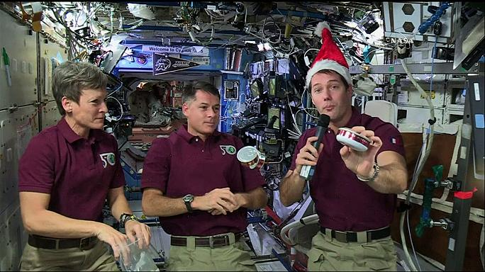 A consoada dos astronautas da Estação Espacial Internacional