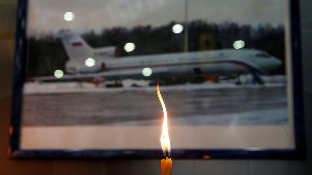 Equipas de busca continuam à procura de vítimas do avião militar russo que caiu no mar Negro