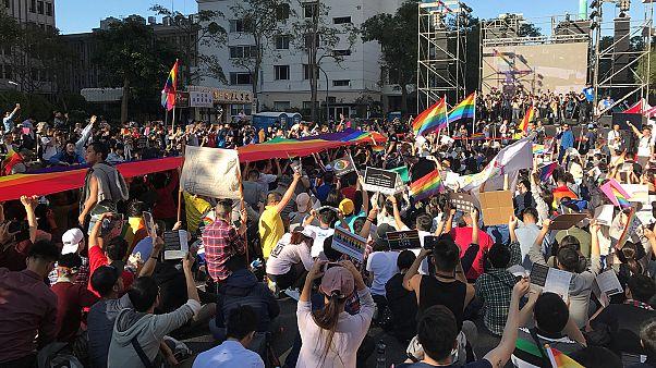 تظاهرات موافقان و مخالفان ازدواج همجنسگرایان در تایوان