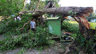 Filipinler'de tayfun alarmı: 300 bin kişi tahliye edildi