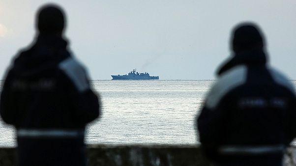 Россия: на месте катастрофы Ту-154 продолжается поисковая операция