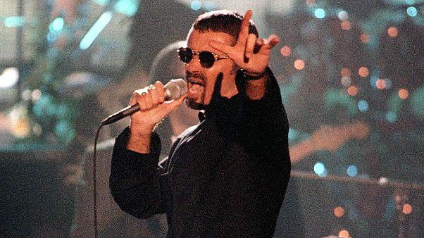 George Michael'ın ölümü sevenlerini gözyaşlarına boğdu