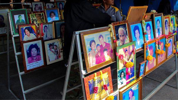 Tayland tsunami kurbanlarını anıyor