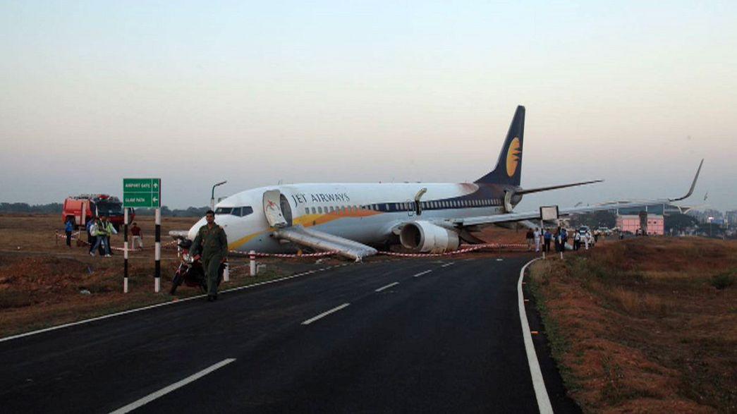 Avião indiano sai da pista de descolagem e faz mais de 10 feridos