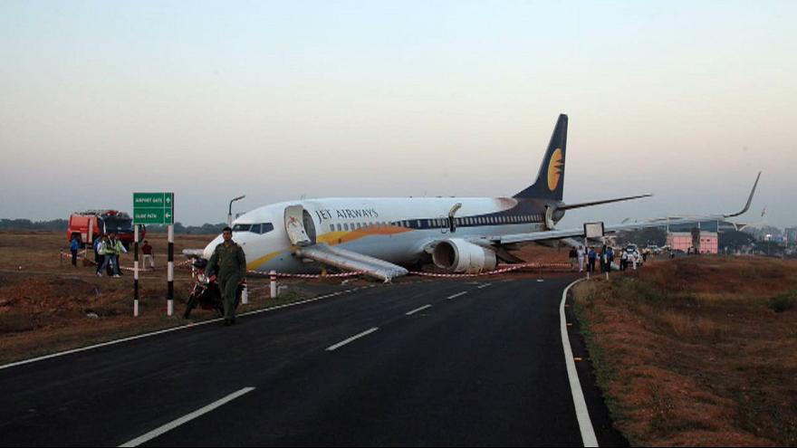 India: aereo esce di pista, 15 feriti