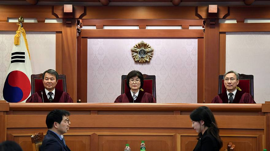 Verfassungsgericht berät über Amtsenthebung von Park