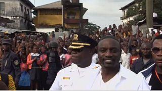 Le rappeur sénégalais Akon annonce avoir réuni 1 milliard de dollars pour développer l'Afrique.