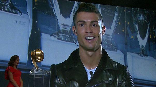 Cristiano Ronaldo gewinnt Globe Soccer Award 2016