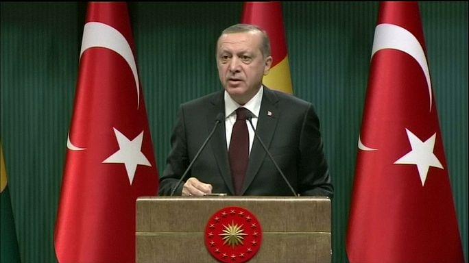 أردوغان يتهم الغرب بدعم تنظيمات ارهابية