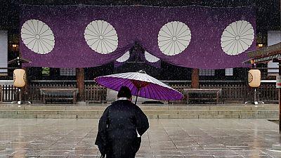 Japon : un ministre visite le sanctuaire Yasukuni le jour où Abe se rend à Pearl Harbor