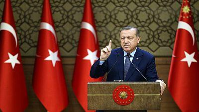 La Turquie accuse les États-unis de soutenir l'État islamique