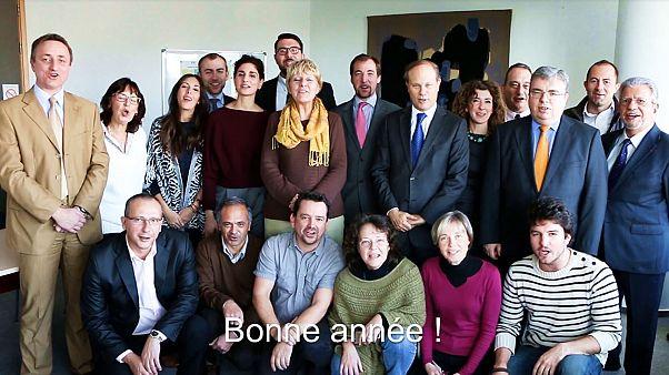 Ο Πρέσβης της Γαλλίας στην Κύπρο εύχεται καλή χρονιά στα... ελληνικά!