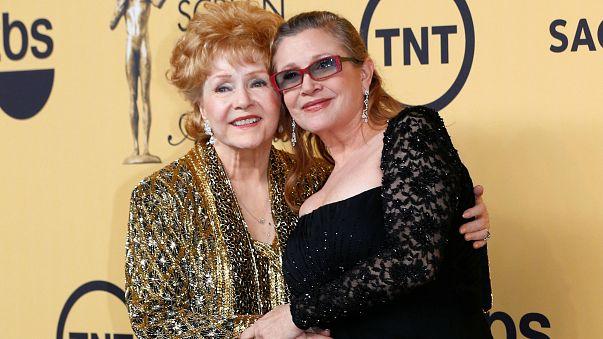 Búcsú Debbie Reynolds-tól és Carrie Fishertől