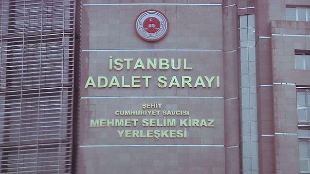 Aslı Erdoğan'ın yargılandığı dava İstanbul'da başladı