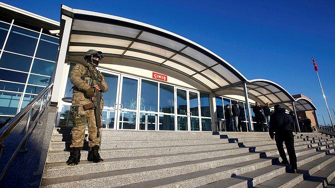 Óvadékért szabadon védekezhet több újságíró Törökországban
