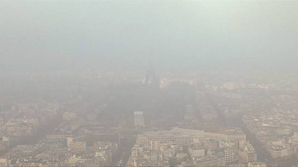 Diminuisce l'inquinamento a Madrid, situazione ancora critica a Parigi