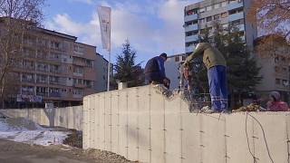 Serb wall in Kosovo to be brought down by government