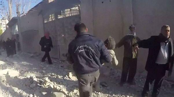 قبيل وقف إطلاق النار.. قصفٌ جديد لمدرسة في مدينة عربين السورية