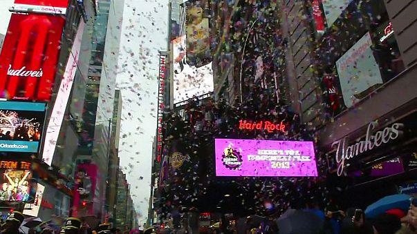 Simulacro de lluvia de confetis en Times Square