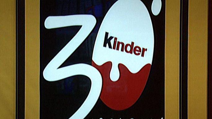 """ويليم ساليس مُبتكر شكلاطة """"كينْدرْ سوربريزْ"""" يفارق الحياة عن 83 عاما"""