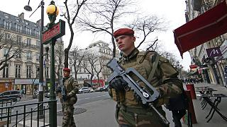 Terrortámadástól tartanak Európában szilveszter éjjelén