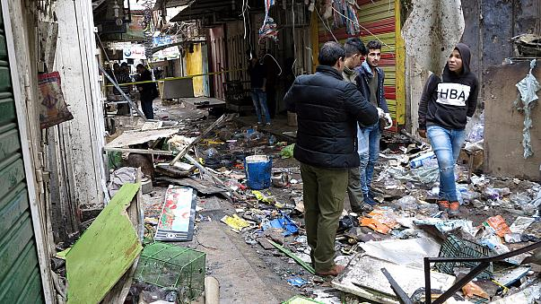 Doppio attentato kamikaze a Baghdad: decine di morti e feriti in un mercato