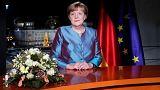 Angela Merkel lamenta terrorismo e pede coesão aos alemães para 2017