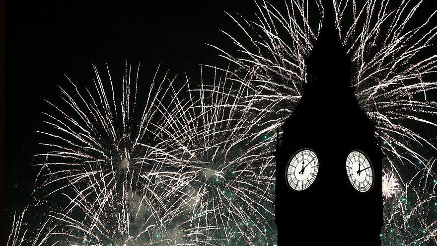 العالم يحتفل بالعام الجديد وأوروبا احتفلت وسط اجراءات امنية مشددة