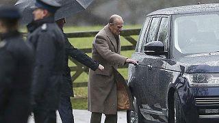 Rainha Isabel II falha também missa de Ano Novo por causa de gripe