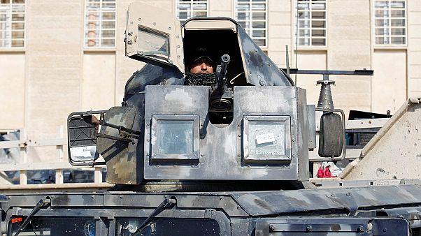 Előrelépés a moszuli offenzívában, öngyilkos merénylők Nadzsafban