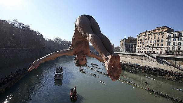 Diving me mad: the New Year plunges into Rome's Tiber