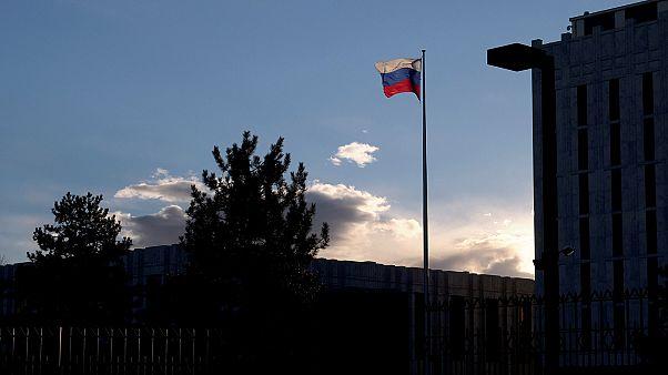 Высланные из США российские дипломаты вернулись на родину