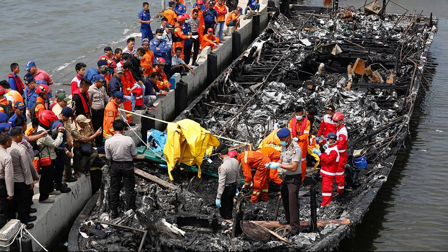 Endonezya'da yanan teknenin kaptanı gözaltında