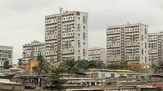 Moedas de Angola e Moçambique entre as 10 mais desvalorizadas em 2016